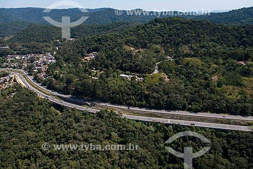 Trecho da Rodovia Fernão Dias (BR-381) na Serra da Cantareira  - São Paulo - São Paulo (SP) - Brasil