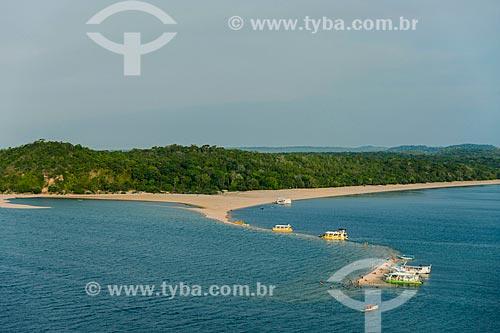 Foto aérea da praia fluvial de Ponta do Caruru - visível apenas na época de seca  - Santarém - Pará (PA) - Brasil