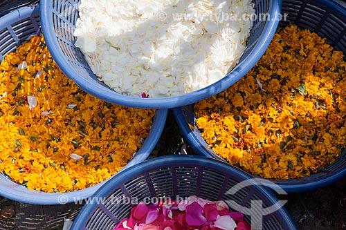 Pe?talas de flores à venda no Mercado de Chichicastenango  - Chichicastenango - Departamento de El Quiché - República de Guatemala
