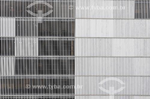 Detalhe da fachada do Edifício Barão de Mauá - edifício sede da Companhia Vale do Rio Doce  - Rio de Janeiro - Rio de Janeiro (RJ) - Brasil