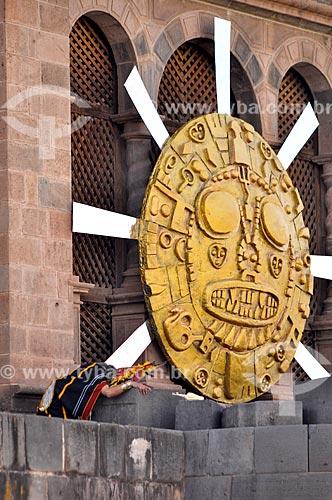 Representação do deus-sol durante o Inti Raymi - festival religioso da civilização Inca em homenagem a Inti, o deus-sol, que marca o solstício de inverno  - Cusco - Departamento de Cusco - Peru