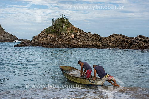 Pescadores na Praia da Ferradurinha  - Armação dos Búzios - Rio de Janeiro (RJ) - Brasil