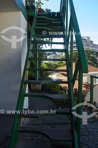 Escada onde somente se pode começar a subir com o pé direito no Museu Casa de Santos Dumont  - Petrópolis - Rio de Janeiro (RJ) - Brasil