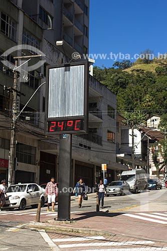 Relógio de rua marcando a temperatura na Rua Teresa durante o inverno  - Petrópolis - Rio de Janeiro (RJ) - Brasil