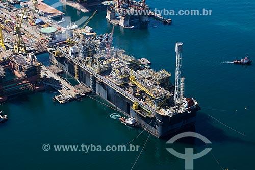 Foto aérea do navio-platafoma P66 no Estaleiro Brasfels  - Angra dos Reis - Rio de Janeiro (RJ) - Brasil