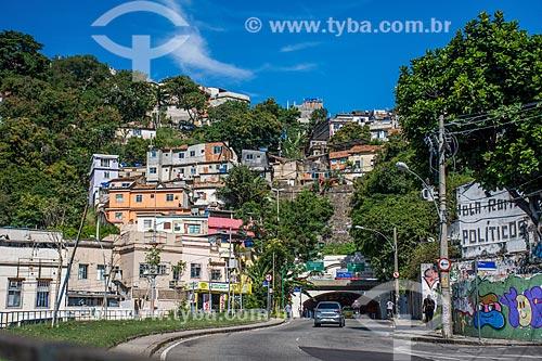Entrada do Túnel Alaor Prata (1892) - mais conhecido como Túnel Velho - com a Favela Ladeira dos Tabajaras  - Rio de Janeiro - Rio de Janeiro (RJ) - Brasil