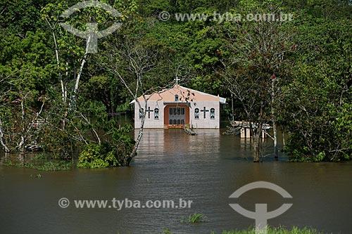 Igreja em Comunidade Ribeirinha às margens do Rio Amazonas durante a época de cheia  - Careiro da Várzea - Amazonas (AM) - Brasil
