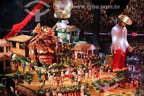Apresentação do Boi Garantido durante o Festival de Folclore de Parintins no Centro Cultural e Esportivo Amazonino Mendes  - Parintins - Amazonas (AM) - Brasil