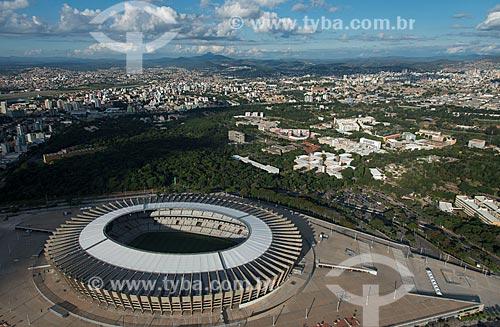 Foto aérea do Estádio Governador Magalhães Pinto (1965) - também conhecido como Mineirão - com o Campus Pampulha da Universidade Federal de Minas Gerais  - Belo Horizonte - Minas Gerais (MG) - Brasil