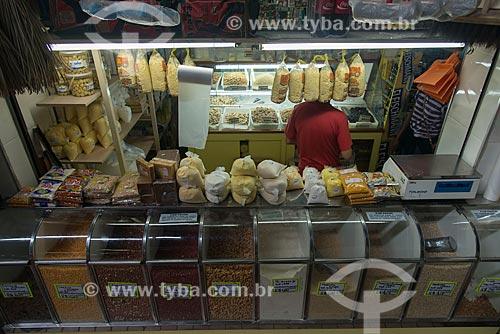 Farinha e grãos à venda no Mercado Central de Belo Horizonte (1929)  - Belo Horizonte - Minas Gerais (MG) - Brasil