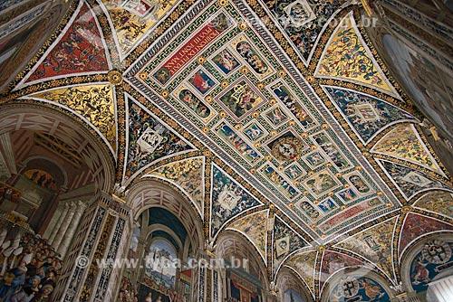 Detalhe do teto da Livraria Piccolomini dentro da Duomo di Siena (Catedral de Siena)  - Siena - Província de Siena - Itália