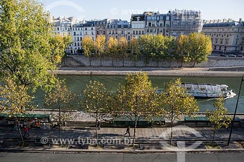Passeio turístico de Bateau-mouche no Rio Sena  - Paris - Paris - França