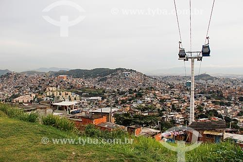 Vista geral do Complexo do Alemão com as estações Itararé - à esquerda - Alemão - no centro - e Baiana - à direita - do Teleférico do Alemão - operado pela SuperVia  - Rio de Janeiro - Rio de Janeiro (RJ) - Brasil