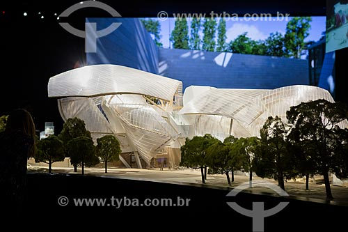 Maquete da Fundação Louis Vuitton em exibição  - Paris - Paris - França