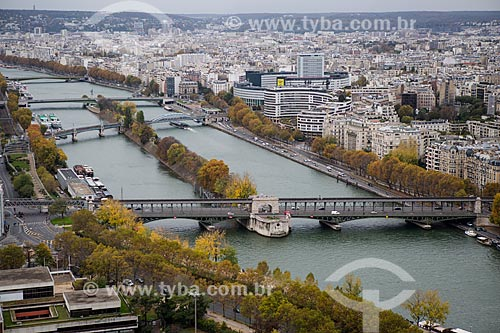 Vista de cima da Ponte Bir-Hakeim (1905) a partir da Torre Eiffel  - Paris - Paris - França