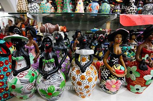 Comércio de artesanato em cerâmica no Mercado Modelo (1912)  - Salvador - Bahia (BA) - Brasil