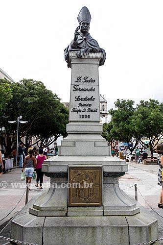 Busto de Dom Pedro Fernandes Sardinha (1944) - primeiro Bispo do Brasil - na Praça da Sé  - Salvador - Bahia (BA) - Brasil