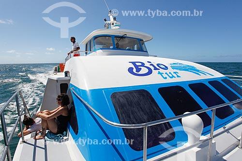 Barco que faz a travessia entre Salvador e Morro de São Paulo na Baía de Todos os Santos  - Salvador - Bahia (BA) - Brasil