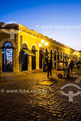 Rua Conselheiro Mafra e Mercado Público Municipal de Florianópolis (1899) ao anoitecer  - Florianópolis - Santa Catarina (SC) - Brasil