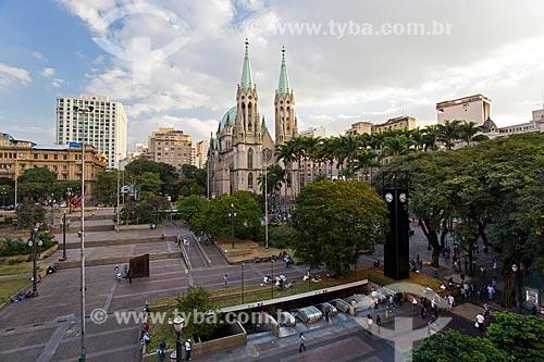 Praça da Sé com a Catedral da Sé (1954) - Catedral Metropolitana Nossa Senhora da Assunção  - São Paulo - São Paulo (SP) - Brasil