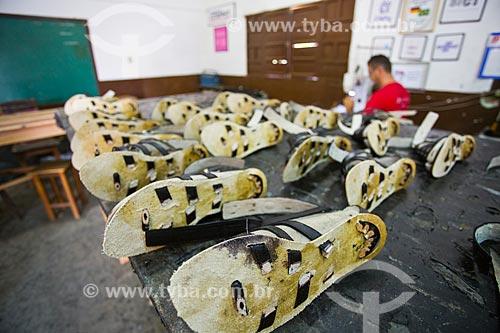 Calçados produzidos pela Arteza, cooperativa de produção de calçados, bolsas e roupas, feitos com couro de cabra  - Cabaceiras - Paraíba (PB) - Brasil