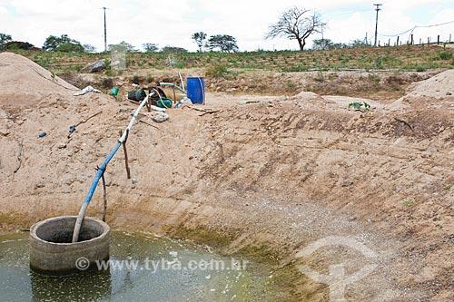 Poço de água que abastece plantação no Povoado de Ribeira  - Cabaceiras - Paraíba (PB) - Brasil