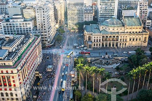 Vista de cima da Praça Ramos de Azevedo, Viaduto do Chá - à esquerda - e o Theatro Municipal de São Paulo (1911)  - São Paulo - São Paulo (SP) - Brasil