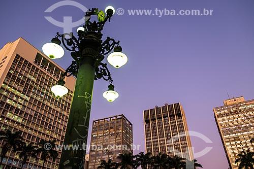 Detalhe de poste na Praça Ramos de Azevedo  - São Paulo - São Paulo (SP) - Brasil