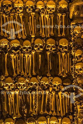 Detalhe de esqueletos no interior da Capela dos Ossos (Século XVII) - anexo à Igreja de São Francisco  - Concelho de Évora - Distrito de Évora - Portugal