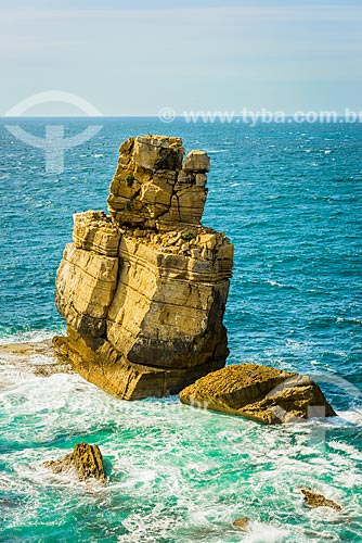 Detalhe da formação rochosa conhecida como Nau dos Corvos no Cabo Carvoeiro  - Concelho de Peniche - Distrito de Leiria - Portugal