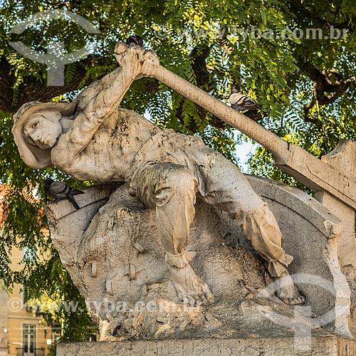 Escultura Ao Leme (1915) no Jardim Roque Garneiro  - Lisboa - Distrito de Lisboa - Portugal