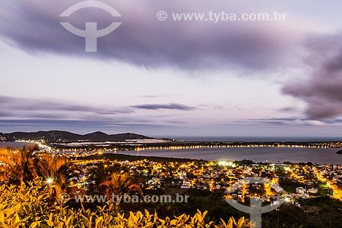 Vista geral da Lagoa da Conceição ao anoitecer  - Florianópolis - Santa Catarina (SC) - Brasil