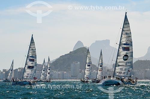 Barcos na Marina da Glória durante a regata Clipper Round The World Race com o Morro Dois Irmãos e a Pedra da Gávea ao fundo  - Rio de Janeiro - Rio de Janeiro (RJ) - Brasil