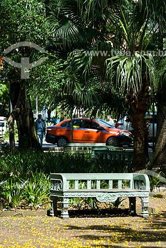 Banco na Praça Júlio de Castilhos  - Porto Alegre - Rio Grande do Sul (RS) - Brasil
