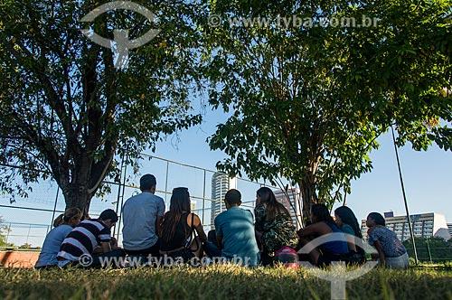 Pessoas conversando no Parque Potycabana  - Teresina - Piauí (PI) - Brasil