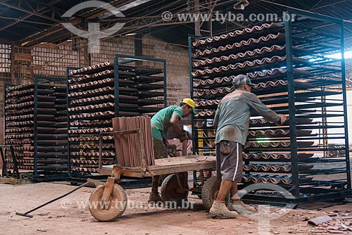 Produção de telhas em olaria  - Nazária - Piauí (PI) - Brasil