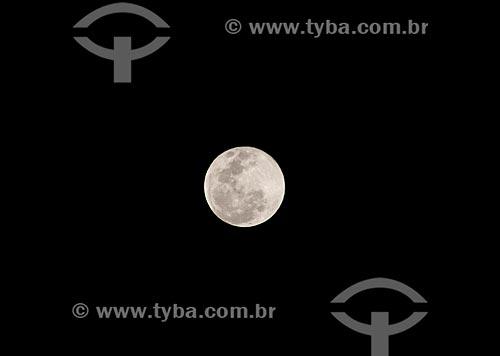 Detalhe de lua cheia  - Rio de Janeiro - Rio de Janeiro (RJ) - Brasil