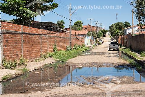 Esgoto a céu aberto no bairro Catarina  - Teresina - Piauí (PI) - Brasil