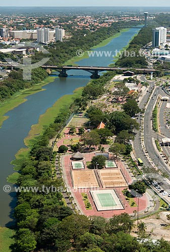 Foto aérea do Parque Potycabana próximo à Ponte Juscelino Kubitschek (1957) - também conhecida como Ponte da Frei Serafim  - Teresina - Piauí (PI) - Brasil