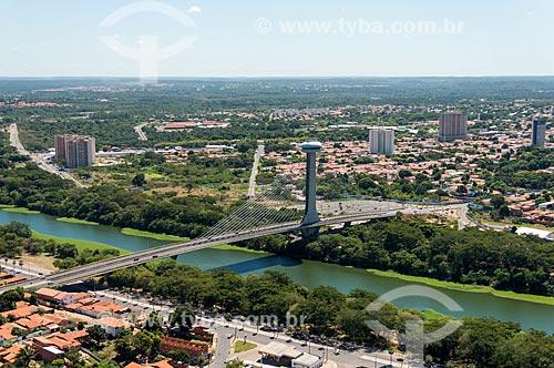 Foto aérea da Ponte Estaiada João Isidoro França (2010) sobre o Rio Poti  - Teresina - Piauí (PI) - Brasil