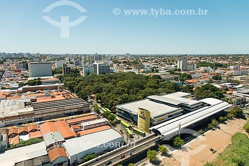 Foto aérea da Estação Estação Governador Alberto Silva do Metrô de Teresina com o Shopping da Cidade de Teresina ao fundo  - Teresina - Piauí (PI) - Brasil
