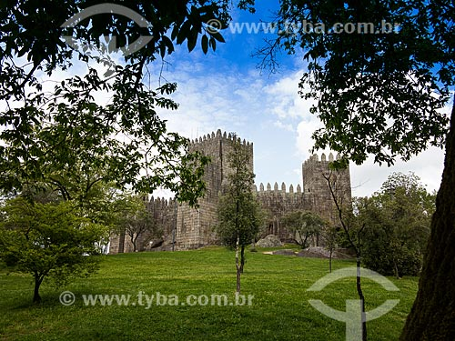 Vista geral do Castelo de Guimarães (XIII century)  - Concelho de Guimarães - Distrito de Braga - Portugal