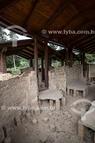 Ruínas do tepidário - locais das termas romanas para os banhos mornos - da Villa Romana del Casale - antigo palácio construído no século IV  - Piazza Armerina - Província de Enna - Itália
