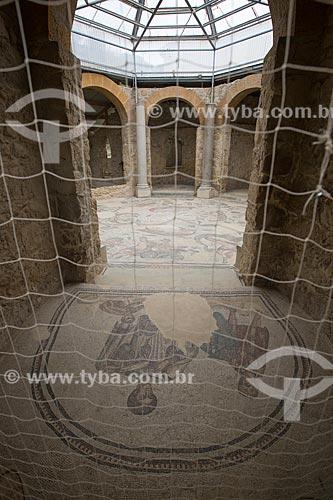 Detalhe de mosaico no frigidário - locais das termas romanas para os banhos frios - da Villa Romana del Casale - antigo palácio construído no século IV  - Piazza Armerina - Província de Enna - Itália