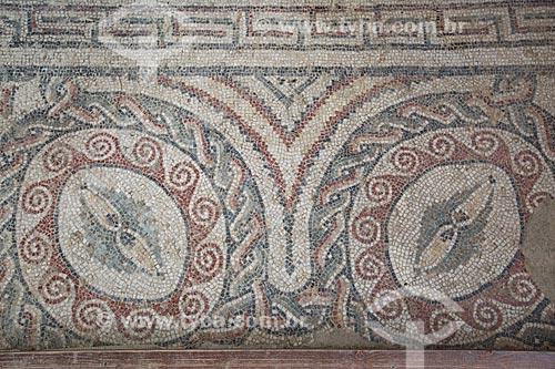 Detalhe de mosaico no apoditério - antessala das termas romanas, locais que funcionavam como vestiários - da Villa Romana del Casale - antigo palácio construído no século IV  - Piazza Armerina - Província de Enna - Itália