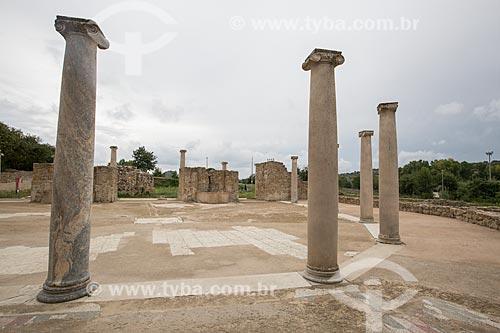 Ruínas de pátio na entrada da Villa Romana del Casale - antiga palácio construído no século IV  - Piazza Armerina - Província de Enna - Itália