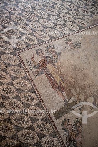 Detalhe de mosaico do Vestíbulo del Adventus (Vestibulo de Boas Vindas) na Villa Romana del Casale - antiga palácio construído no século IV  - Piazza Armerina - Província de Enna - Itália