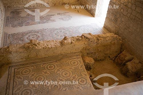Ruínas do prefúrnio - local das termas romanas para as fornalhas - Villa Romana del Casale - antiga palácio construído no século IV  - Piazza Armerina - Província de Enna - Itália