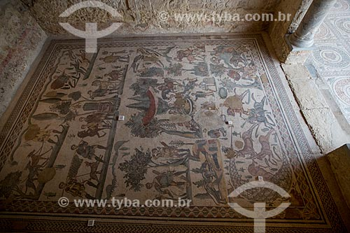 Detalhe de mosaico conhecido como Pequena Caçada - Villa Romana del Casale - antiga palácio construído no século IV  - Piazza Armerina - Província de Enna - Itália