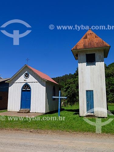 Fachada da Capela de São Valentim - construída em madeira pelos colonos  - Gramado - Rio Grande do Sul (RS) - Brasil